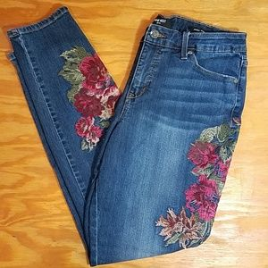 Nine West Gramercy Skinny jeans with embroidery